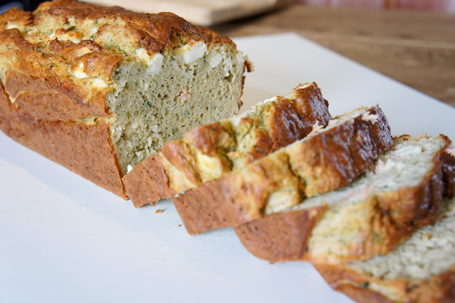 Cake courgette met zalm